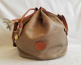 ac83d2fa88 Classic Vintage Dooney and Bourke Handbag
