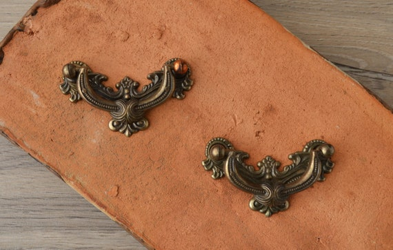 CARVED WOOD CABINET PULL HANDLE VICTORIAN STYLE Lot of 10