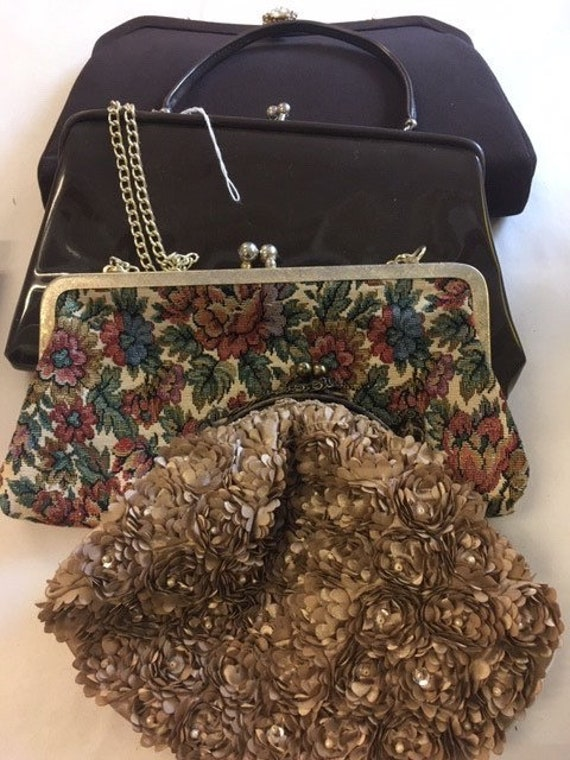 Group lot of vintage hand bags