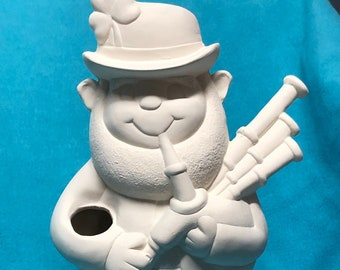 Irishman with bagpipe Ceramic Bisque