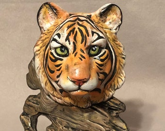 Brown Driftwood Tiger