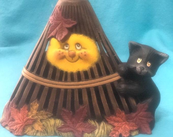 Rake Candle Holder with Kitten