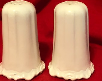Set of 2 Very Rare Decorative Ceramic Salt and Pepper Shakers glazed in milk glass with stoppers