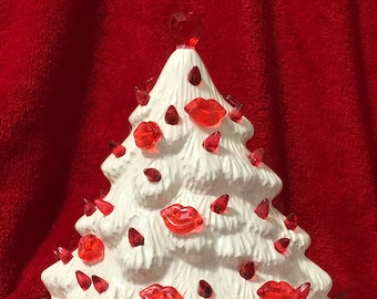 Ceramic Milk Glass Glazed Mantle Valentines Tree with bulbs and light pack