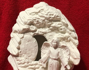 Angel at the tomb, 2 piece set in ceramic bisque ready paint