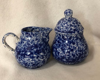2 Piece Set Vintage Glazed Ceramic Glazed Sugar and Creamer Set