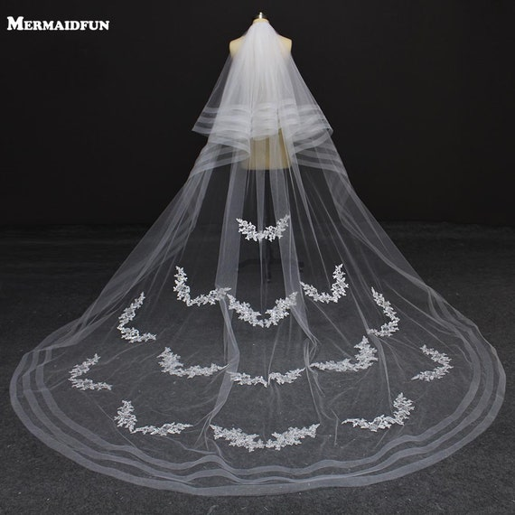 Real Photos Bling Sequined Lace Edge One Layer Green Wedding Veils with Comb Cathedral Bridal Veils Wedding Accessories
