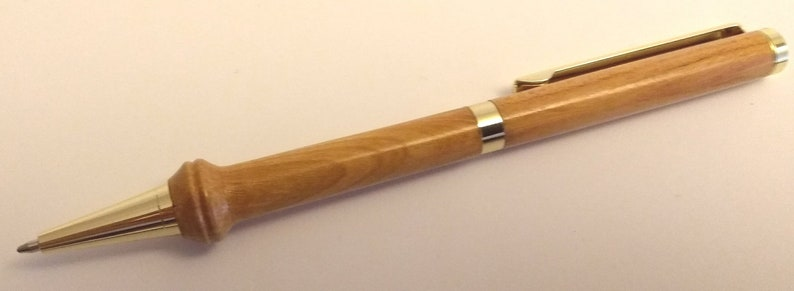 p541 Kent cherry on gold slimstyle pen