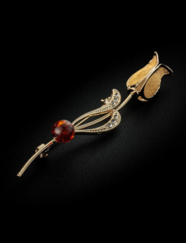 Handmade decorated with Beoluna crystals TOP! Good gift Exquisite brooch with natural amber color Vintage
