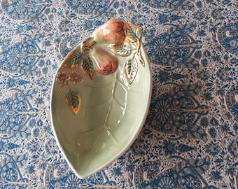 Bassano Ceramic Plate Serving 31 cm tomatoes with Olive Motif From Italy