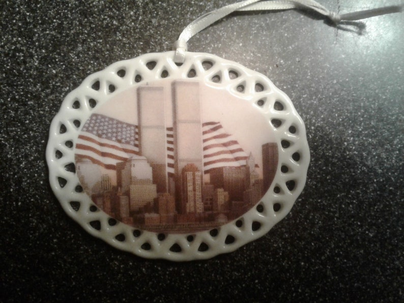 Twin Towers  9/11  Emblem of Strength  New York City  image 0