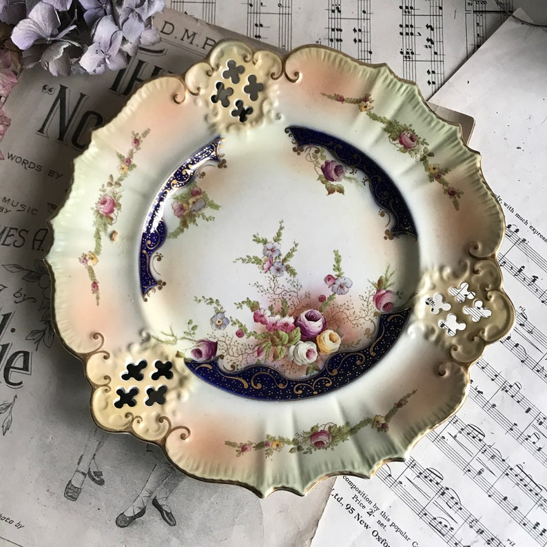 Antique Carlton Ware Scalloped Pierced Plate Wiltshaw /& Robinson 1800/'s Collectable Plate Roses Blush Ware