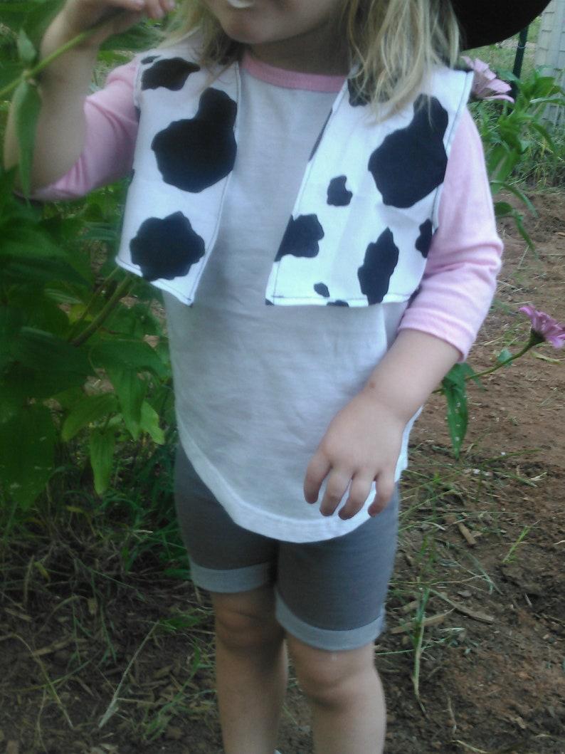 short Cowprint Vest