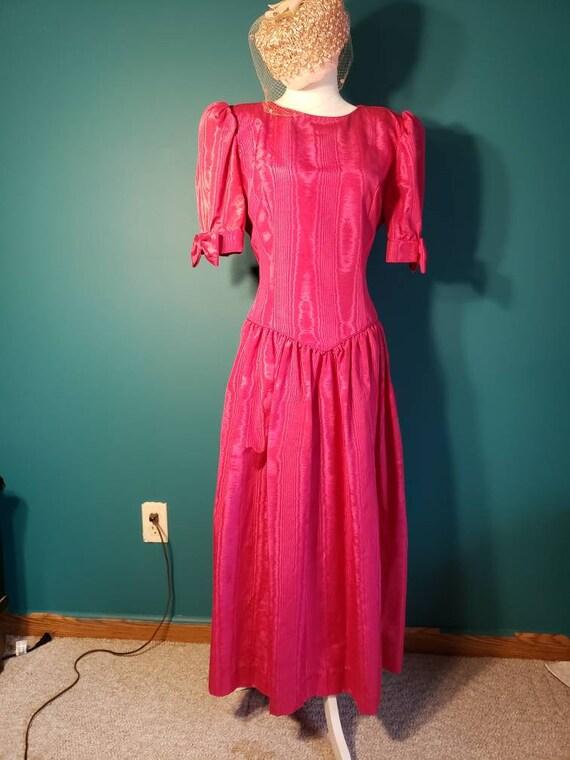 1980s does 1940s dress, grosgrain dress, 1940s sty