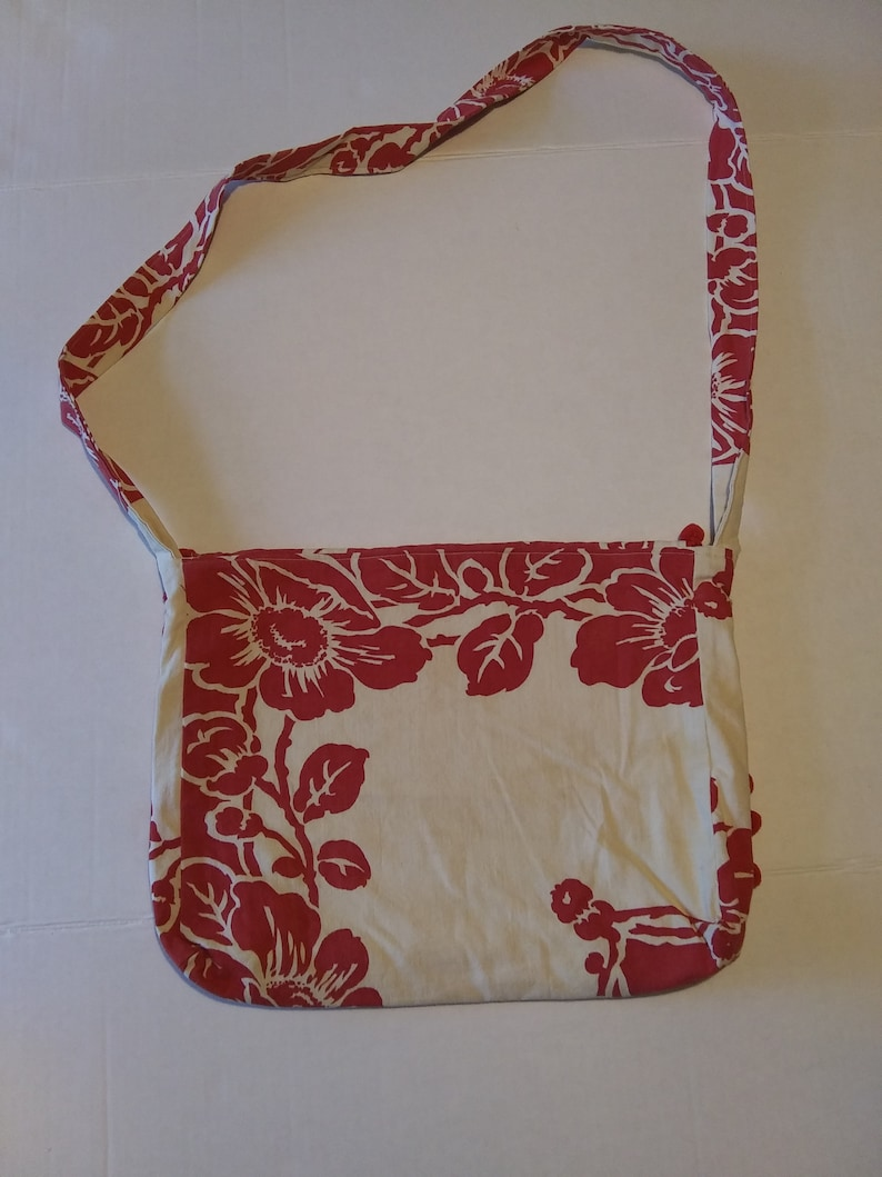 Vintage Tablecloth Messenger BagKid/'s Messenger BagUpcycled Boho BagShabby Chic CrossBody Bag Kid/'s Crossbody Bag Vintage Fabric Purse
