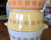 Pyrex Town Country set of three nesting casserole dishes