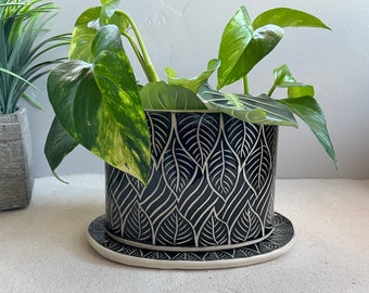 Ceramic Oval Plant Pot with Saucer, Windowsill Garden, Handmade Pottery Planter with Drainage