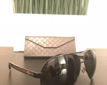 c2b5a7c7bb7 Gucci Sunglasses New with Case