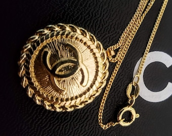 73650fdec Auth CHANEL Gold CC Interlock Logo 22mm Button Hypoallergenic 14K Gold over  925 Sterling Silver Necklace Chain