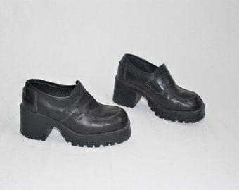 ba2da2b32e9 90s chunky platform loafers black leather vintage slip on lug sole platforms  size 7
