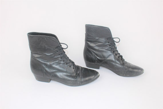 black leather lace up booties 80s pointy toe pixie