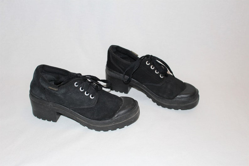 32700473ff0 90s Jordache platform tie shoes vintage black suede chunky