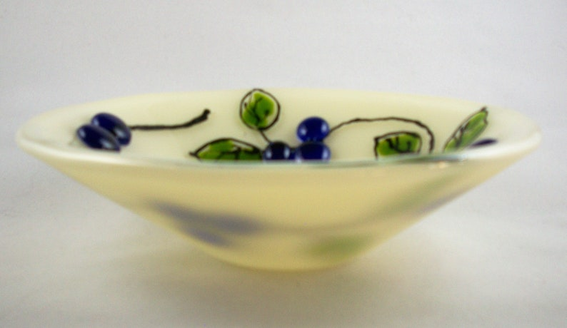 Fused art glass 7 bowl with leaves and berries