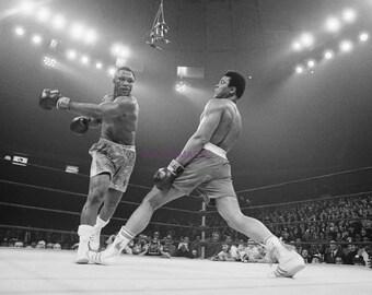 e1f5a2313db8 Muhammad Ali Jukes from Joe Frazier Punch Win Heavyweight Fight Publicity  Photo