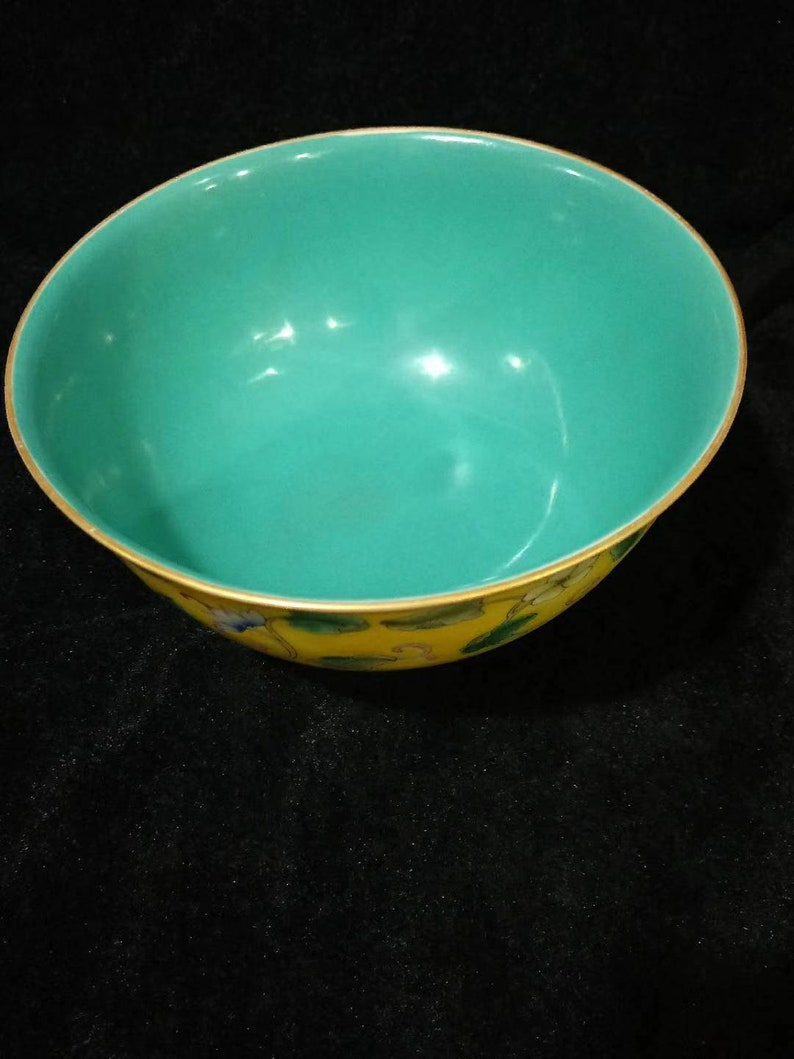 Chinese Antique Qing Dynasty Yongzheng Guan Ware Style Yellow Famille Rose Fencai Porcelain Bowl.China Royal Art Vintage ceramic Collection