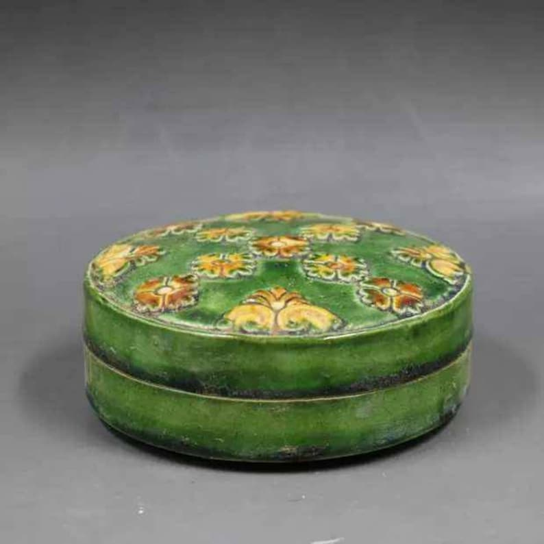 Antique of Chinese Qing Dynasty or Minguo Style Tri colored Glazed Pottery Powder Box,Ink Box,Vintage China Royal Art ceramic  collection