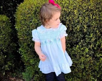 fe2e82ab5 Vintage girls dress