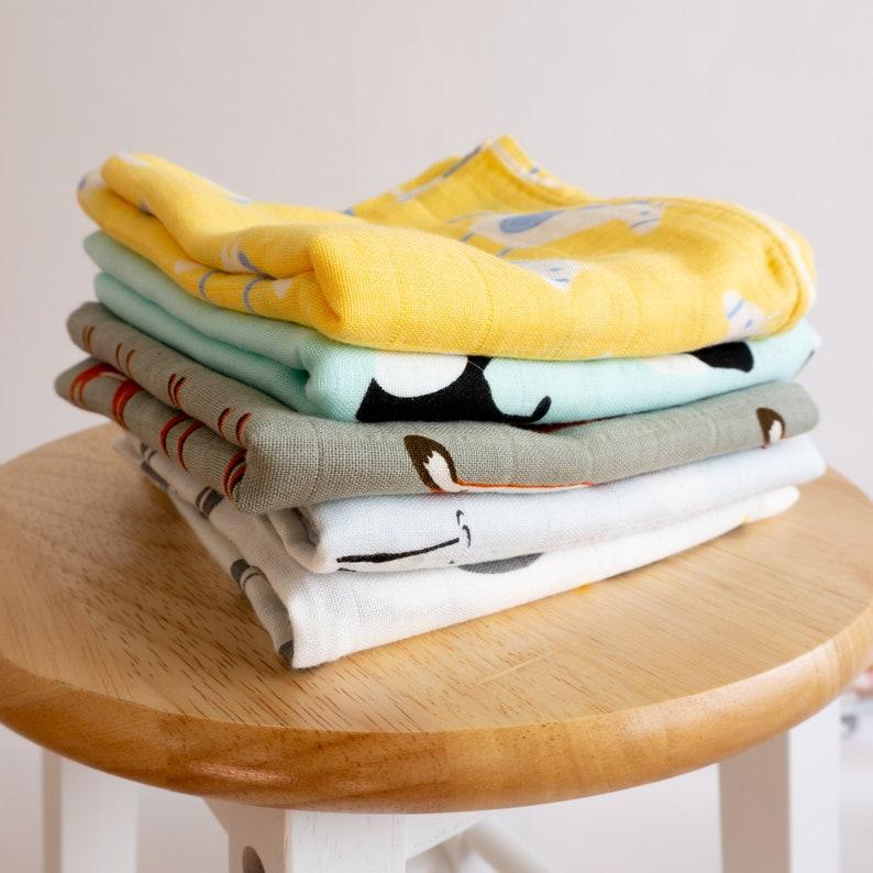 Tiny Alpaca Organic Muslin Squares Baby Burp Cloths Pack of 5 Rocking Horse Design 60X60CM