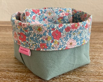 Liberty cotton washable wipes with optional panière and/or storage pan