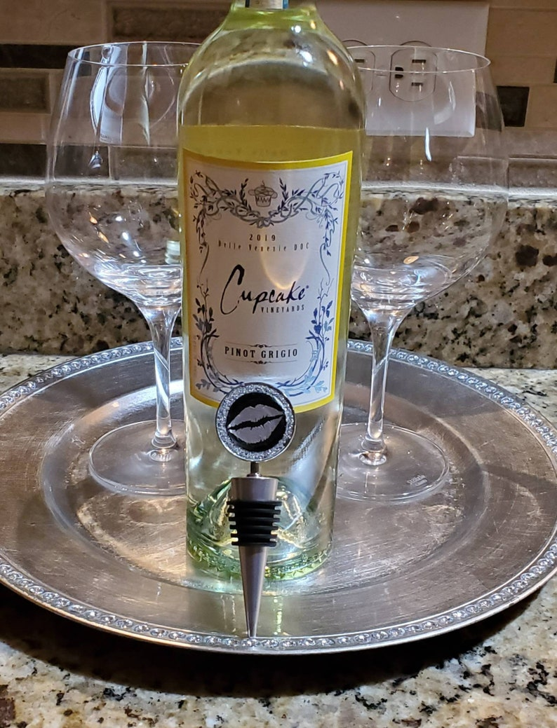 GLITTER LIP BeverageWine Bottle Stopper Wine Lover Gifts-Woman Gift-Birthday Gifts-A Must Have-Buy Now-#getvwa#bottlestopper