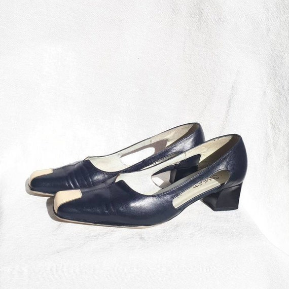 Size 37.5 Womens navy blue leather pumps with cut out sides and block heel shoes minimalist low heel dress shoes, Made in France