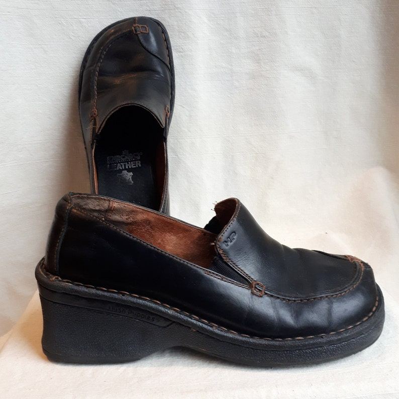 57b2efcb5cc61 Size 6.5 US Womens Leather Black Hush Puppies Shoes with Wedge Heel / 90's  Slip On Loafer / 1990s Grunge, Stitching, Leather Lined