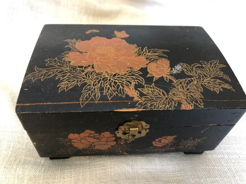 1910-1949 or Early Chinese Lacquer Box, Painted with Peony Flowers