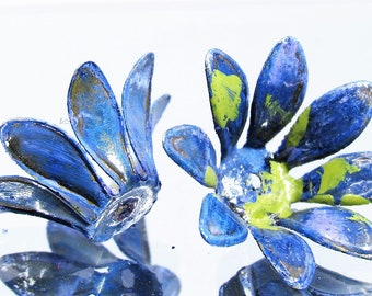 2 pcs Bendable NEW IN STUDIO On The Beach Patina Flower Bead Caps