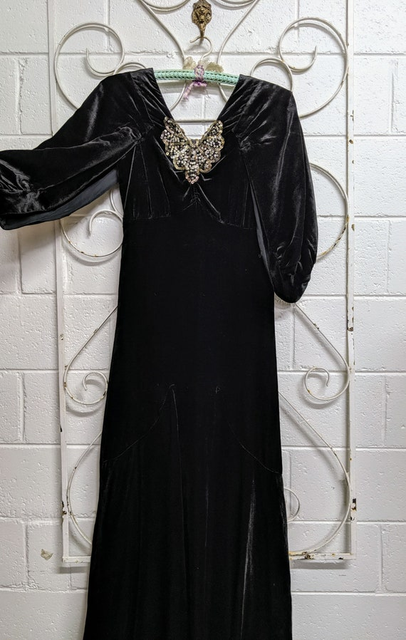 1930s Art Deco Black Silk Velvet Evening Gown