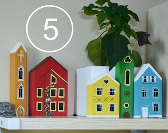 Set of 5 Small Wooden Buildings