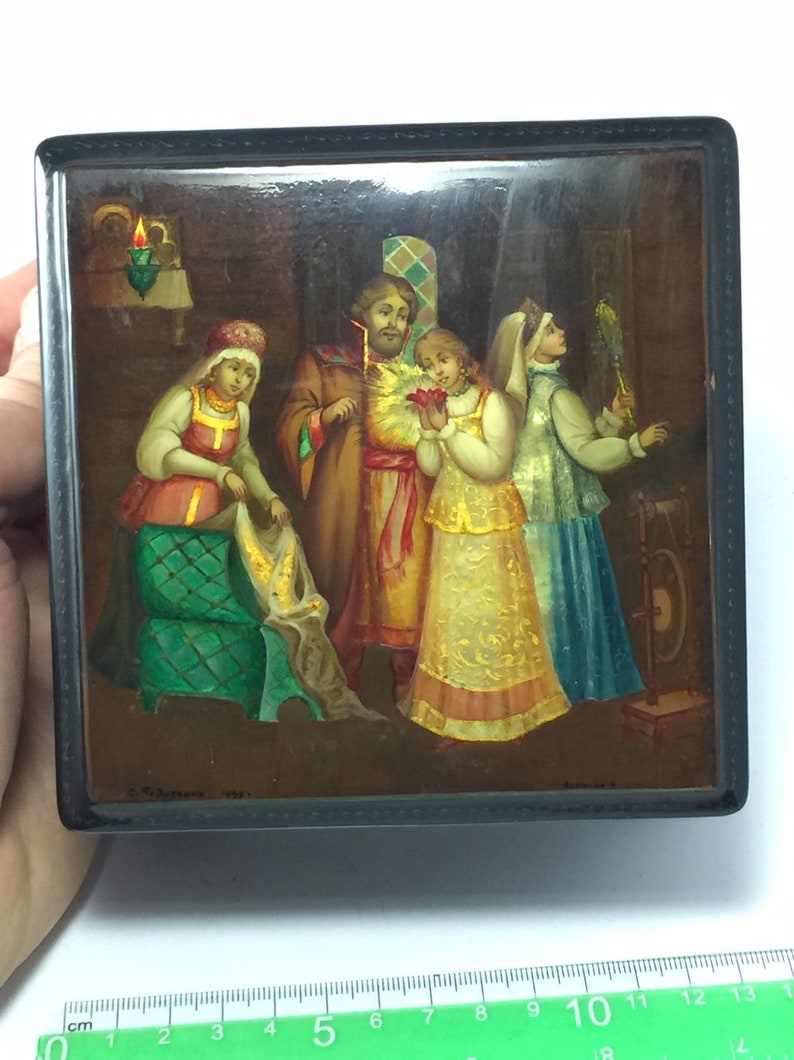 Vintage Hand Painted Box,Fedoskino,Scarlet Flower Russian Lacquer Box Fine Painting