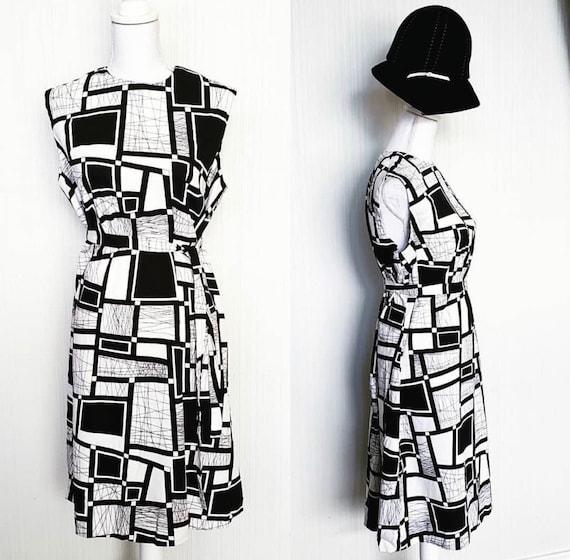 Vintage 1960s Barkcloth Mod Dress Black White - image 3