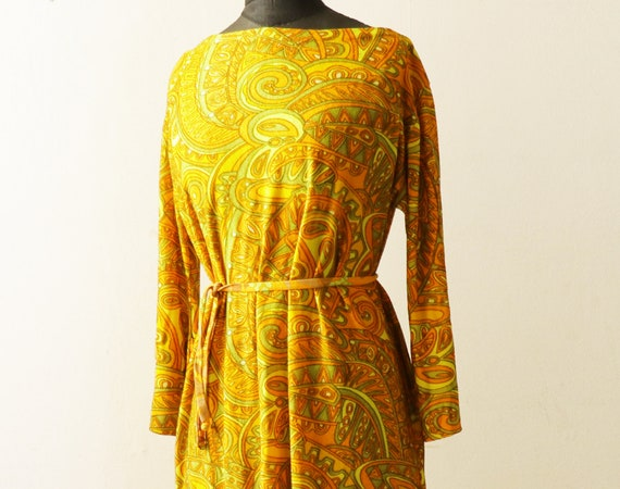 1960's vintage  psychedelic paisley print fit and
