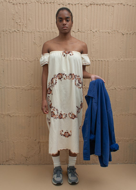 1970's Embroidered Peasant Off-the-shoulder Dress