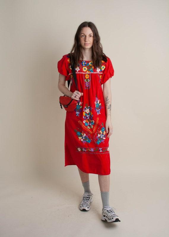 1970's Oaxaca Embroidered Midi Dress - image 5