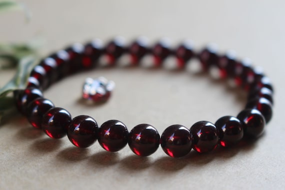 6 mm Garnet Beaded Bracelet