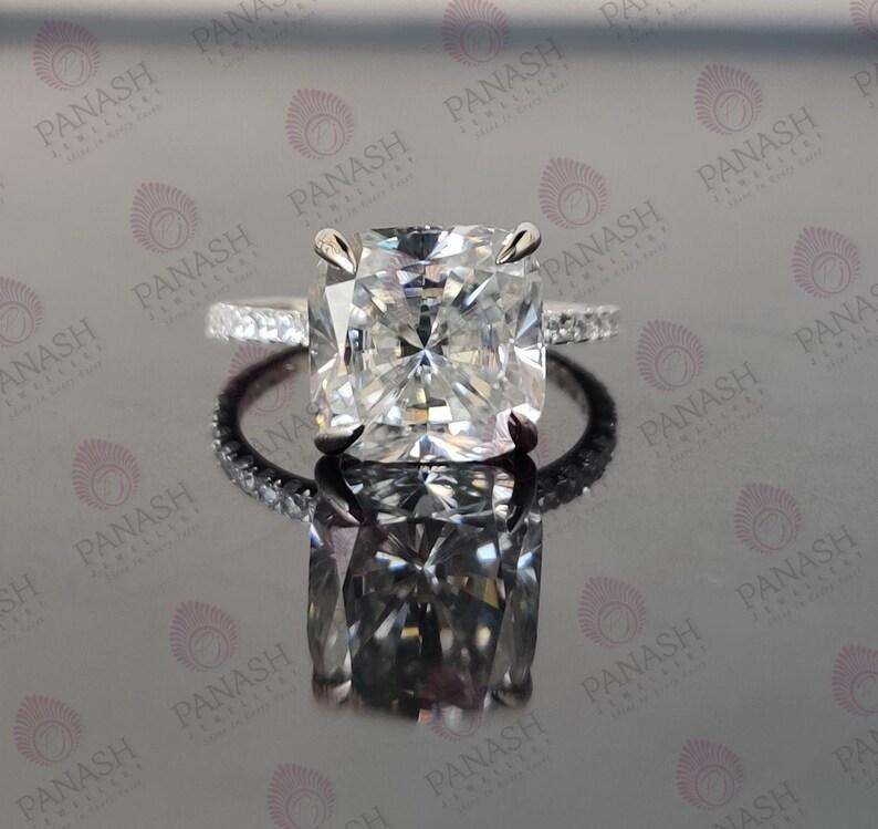 2.50Ct Round Cut Green Emerald Diamond Anniversary Ring 14K Rose Gold Finish