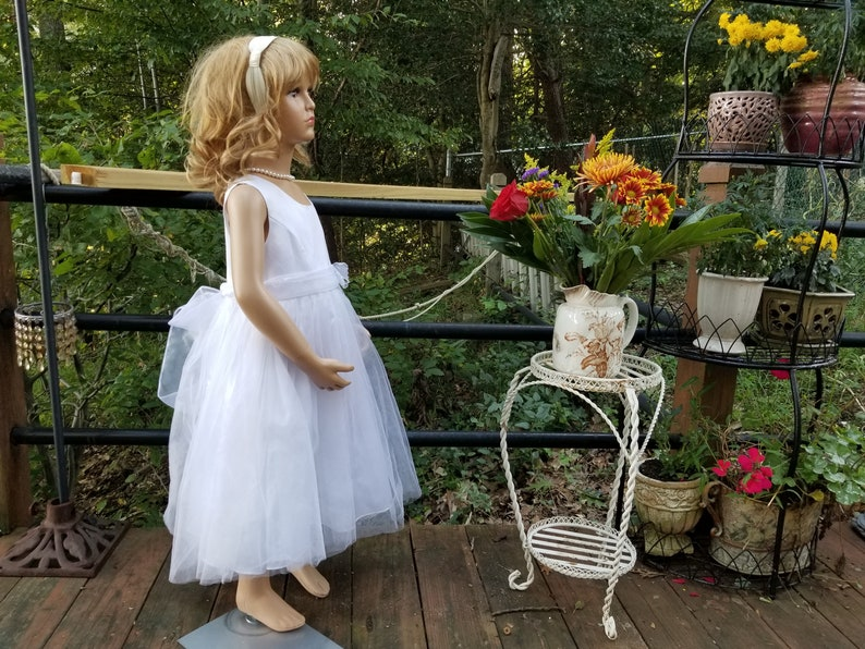 Vintage Solid White Sleeveless Formal Girls Dress,Size 5,Jona Michelle,solid colored,dressy,lined,wedding,summer,spring,sashes,butterfly