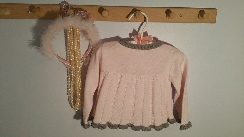 long sleeve,button front baby girl, ruffled preppy pink gray Piper /& Posie Vintage Solid Pale Pink Baby Girls Sweater Size 6 months