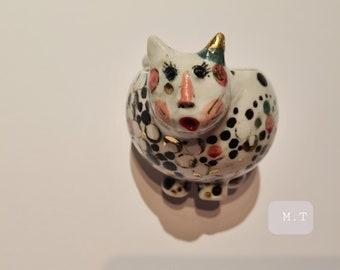 Porcelain cat cup